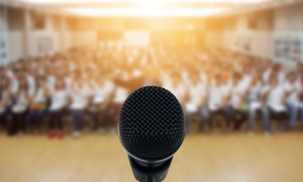 Egyházi szónoklattant tanítunk az Evangélikus Hittudományi Egyetemen is